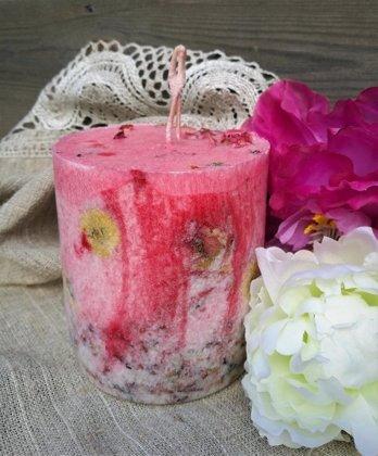 Floral geranium candle